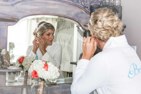 florida beach wedding bride getting ready