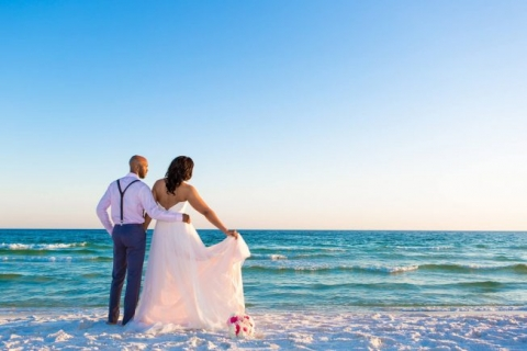 sunset beach wedding pictures