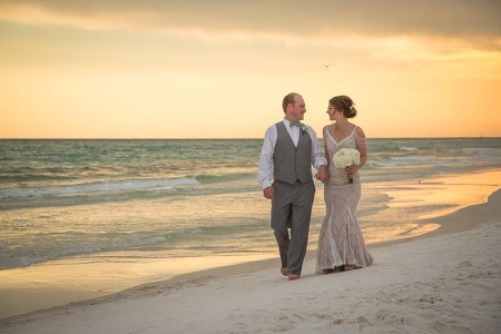 bride-and-groom-sunset-pictures-destin-florida