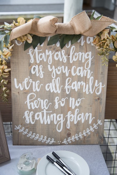 favor-table-decorations-becah-wedding